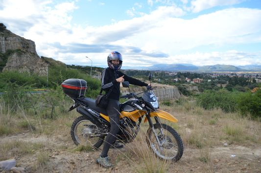 crazy sexy fun traveler on the way back to Tarija