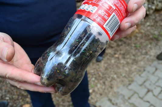 coke bottles for worms