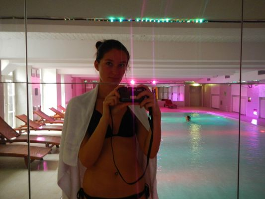 playing with the mirrors in the swimming pool Plus Berlin hostel
