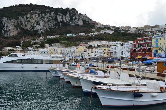 Marina Grande full of small boats