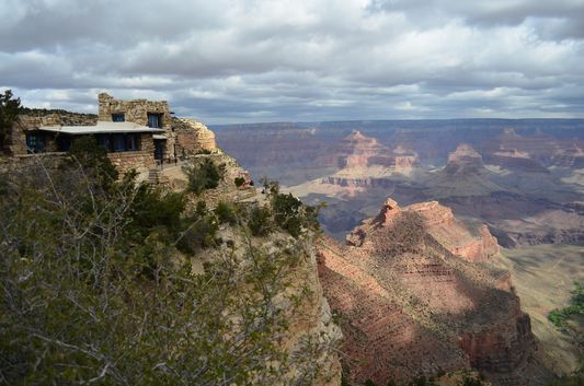 beginning of the Bright Angel trail to Indian Garden