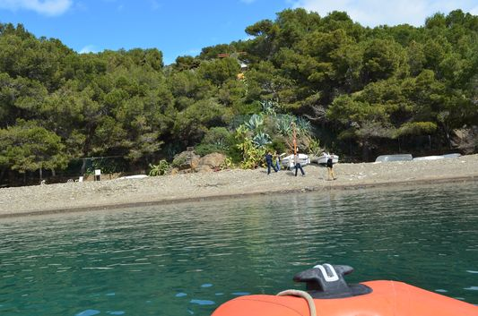 getting to Cala Guilolla beach