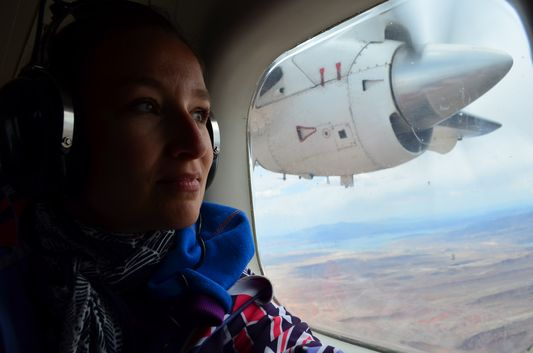 observing the Grand Canyon from the plane