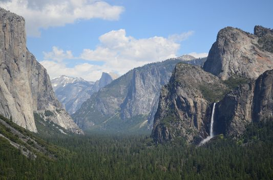 Inspiration Point Tunnel view with Bridalveil waterfall