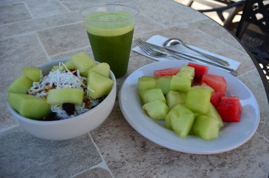 healthy breakfast at La Palapa restaurant Marina Fiesta