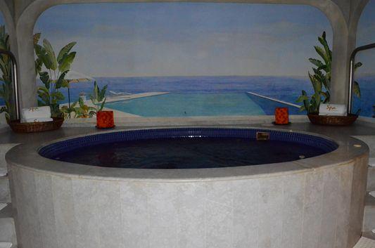 jacuzzi in Marina Fiesta spa