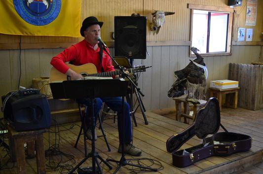 live music at Hualapai Ranch