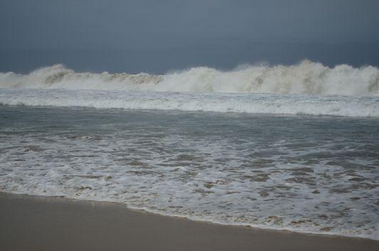 rough waves on the Las Palmas beach