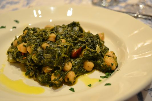 chickpeas with spinach cooked by Lee Pennington
