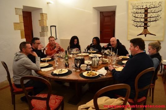 having dinner with fellow travel bloggers and Mariano