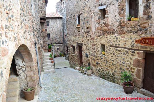 medieval streets Santa Pau