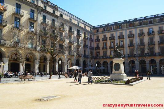 Independence Square Girona