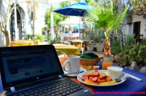 blogging when having El Angel Azul breakfast