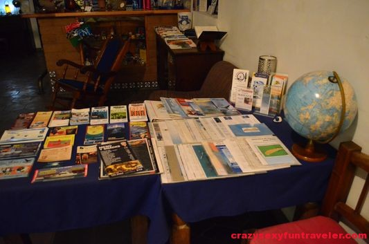 leaflets, maps and business cards in El Angel Azul