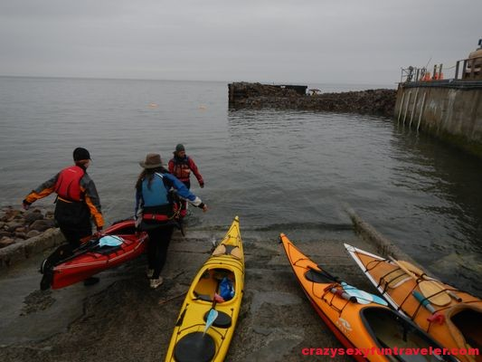 preparing the kayaks