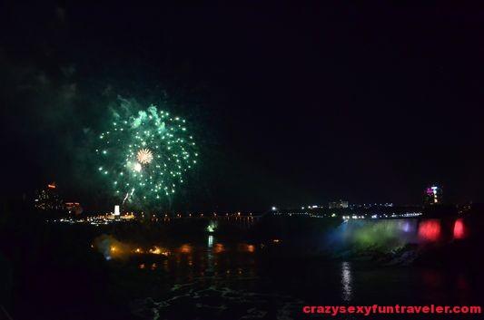 Niagara Falls fireworks (12)