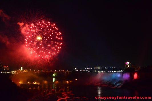 Niagara Falls fireworks (19)