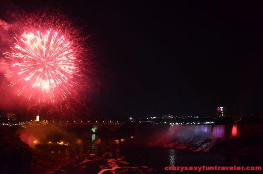 Niagara Falls fireworks (20)