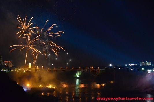 Niagara Falls fireworks (21)