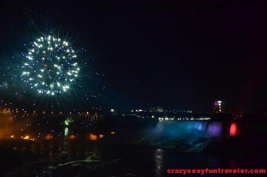 Niagara Falls fireworks (23)