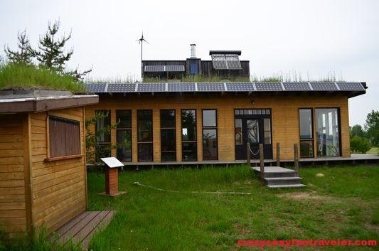 Habitat 07 ecological house