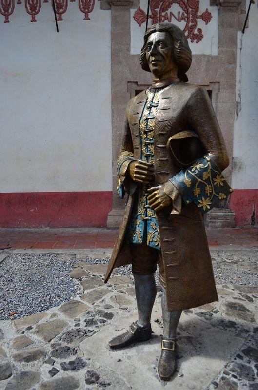 Jose de la Borda's statue Taxco