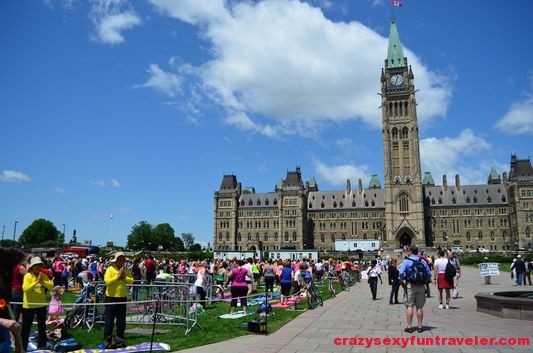 Yoga on Parliament Hill Ottawa (4)