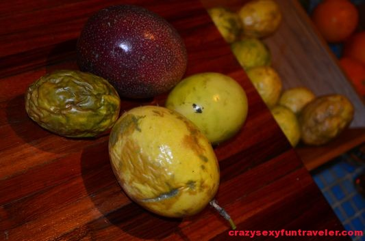different kinds of passion fruit