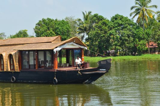 Kerala Backwaters houseboat from Kollam to Alleppey Lake & Lagoons (11)