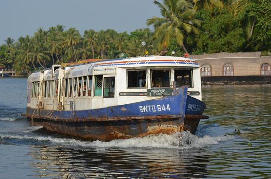 Kerala Backwaters houseboat from Kollam to Alleppey Lake & Lagoons (116)