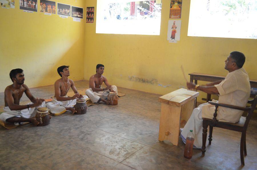 Kerala Kalamandalam dance school India (9)