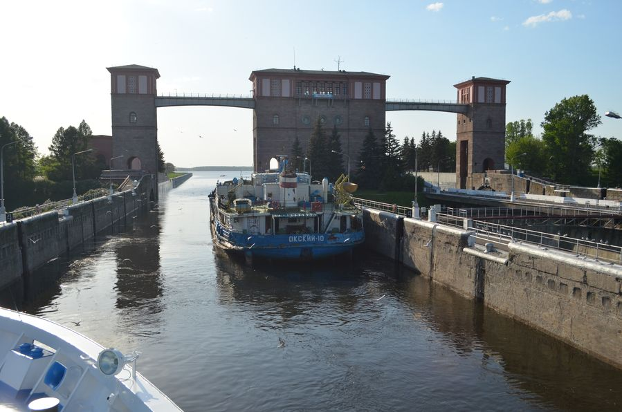 Russia cruise Rachmaninov cruise (59) the Rybinsk lock