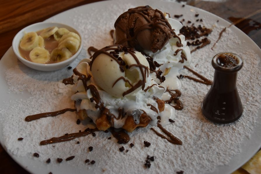 chocolate in Max Brenner Tel Aviv (4)