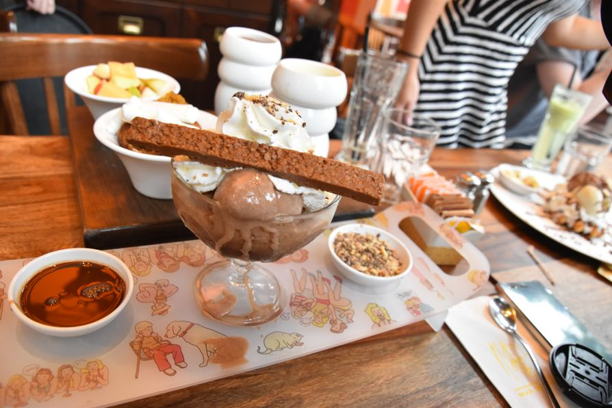 chocolate in Max Brenner Tel Aviv (5)