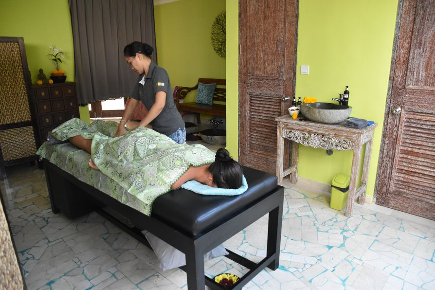 OK Divers Resort Padangbai spa (3)
