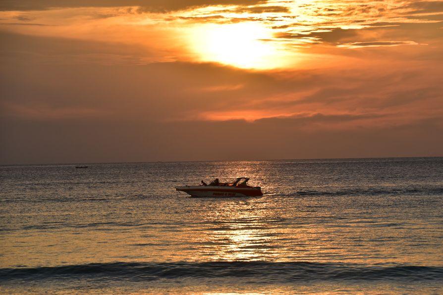Thavorn Palm Beach Karon beach Phuket (19)
