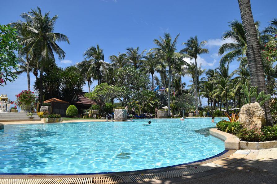 Thavorn Palm Beach Karon beach Phuket (36)