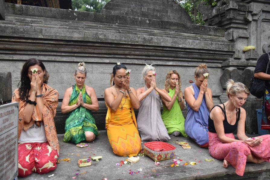 Pura Tirta Empul Bali water temple cleaning ritual (7)