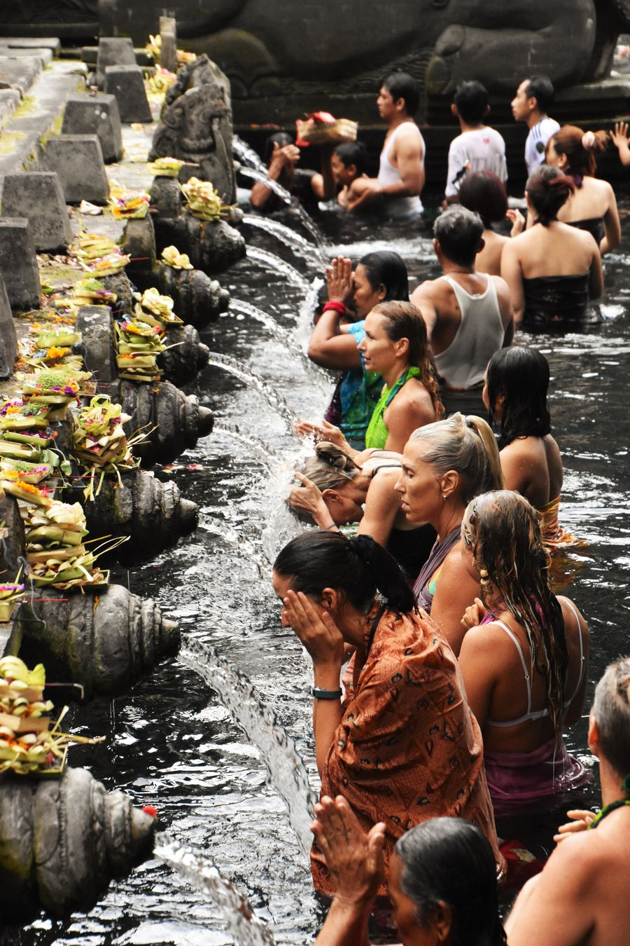 Pura Tirta Empul Bali water temple cleaning ritual (9)