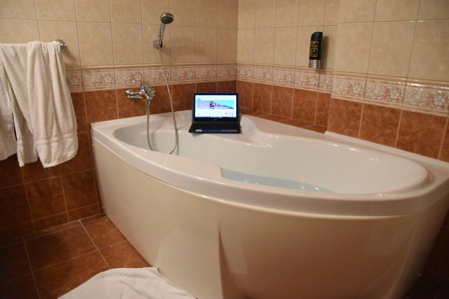 boutique Hotel Carpe Diem Presov bathtub (1)
