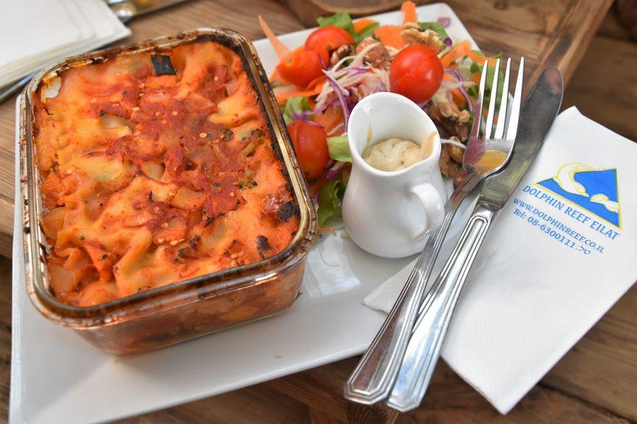 dolphin-reef-eilat-vegan-meal-lasagna