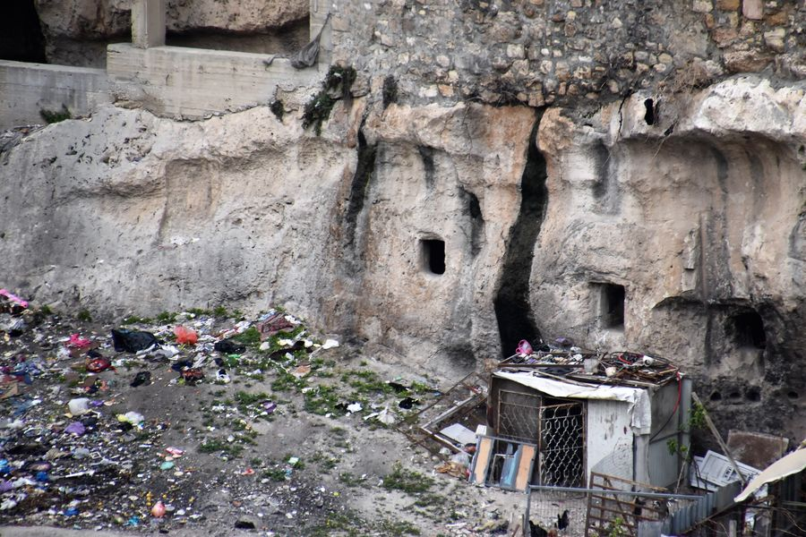 ancient graves in Silwan