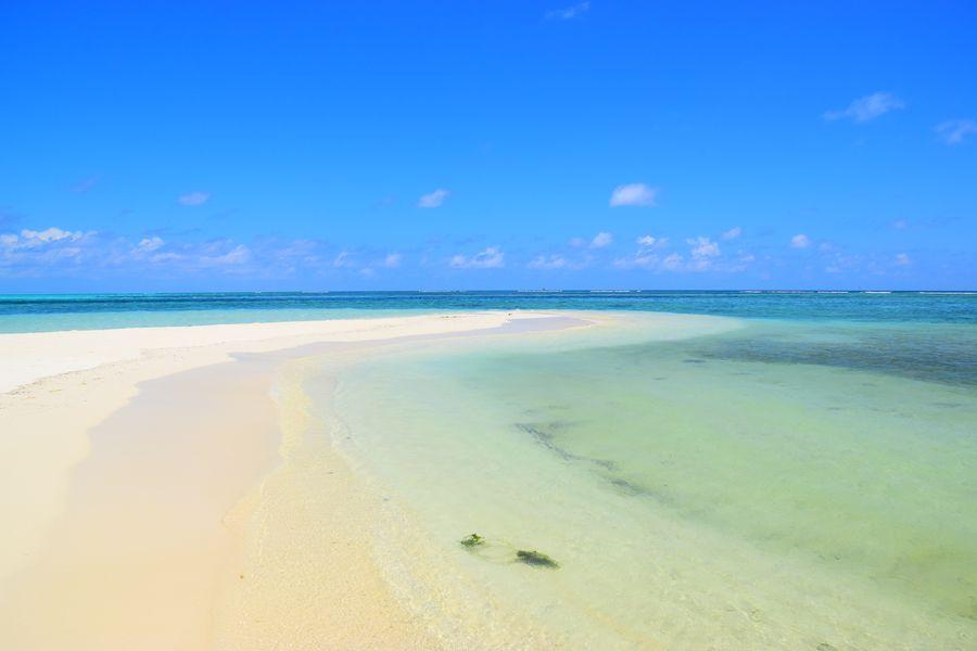 Gaafari bikini beach on a sunny day