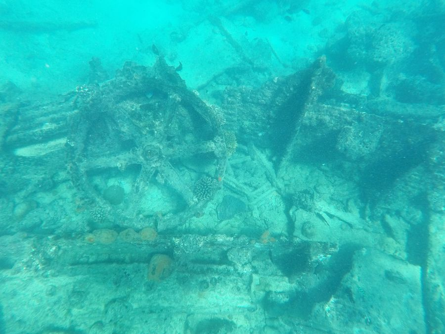 snorkeling around Gaafaru shipwreck