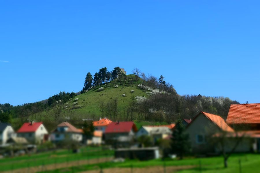 Dobra Niva castle seen from Podzamcok village