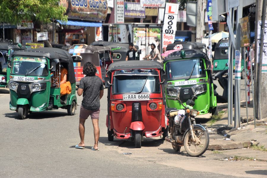 tuk tuks in Sri Lanka