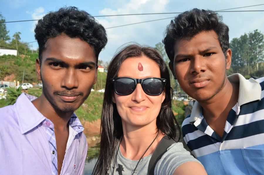 a selfie with locals in Munnar