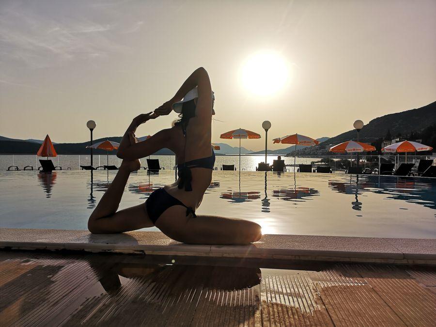yoga - pigeon asana
