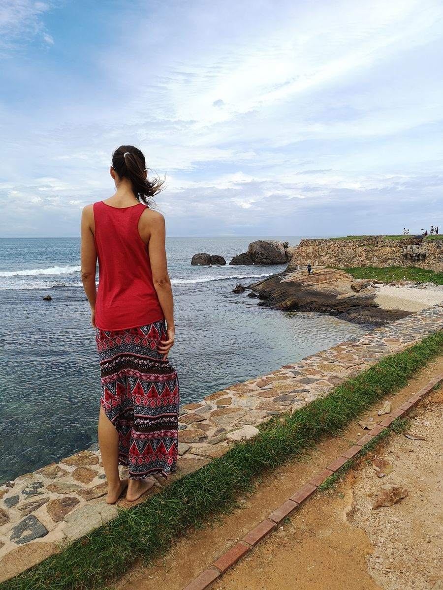 walking on the wall surrounding Galle Fort