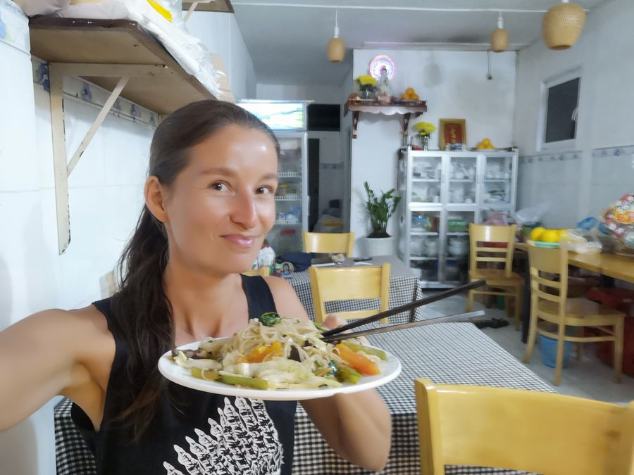 Vegan restaurant Quan Chay Con Dao Healthy